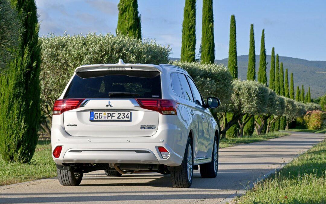 Hybride is laatste stuiptrekking van autofabrikanten